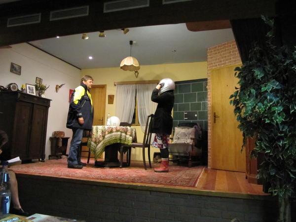 Poppe stiggt ut - Theaterclub Fitzbek